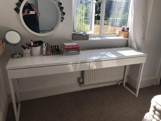 long dressing table