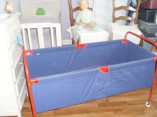 lit pliant en toile pour bébé
